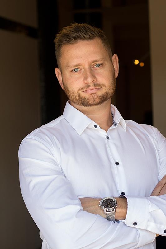 Palkovics Milán, a Dunaújvárosi Kegyelet Bt. ügyvezetője